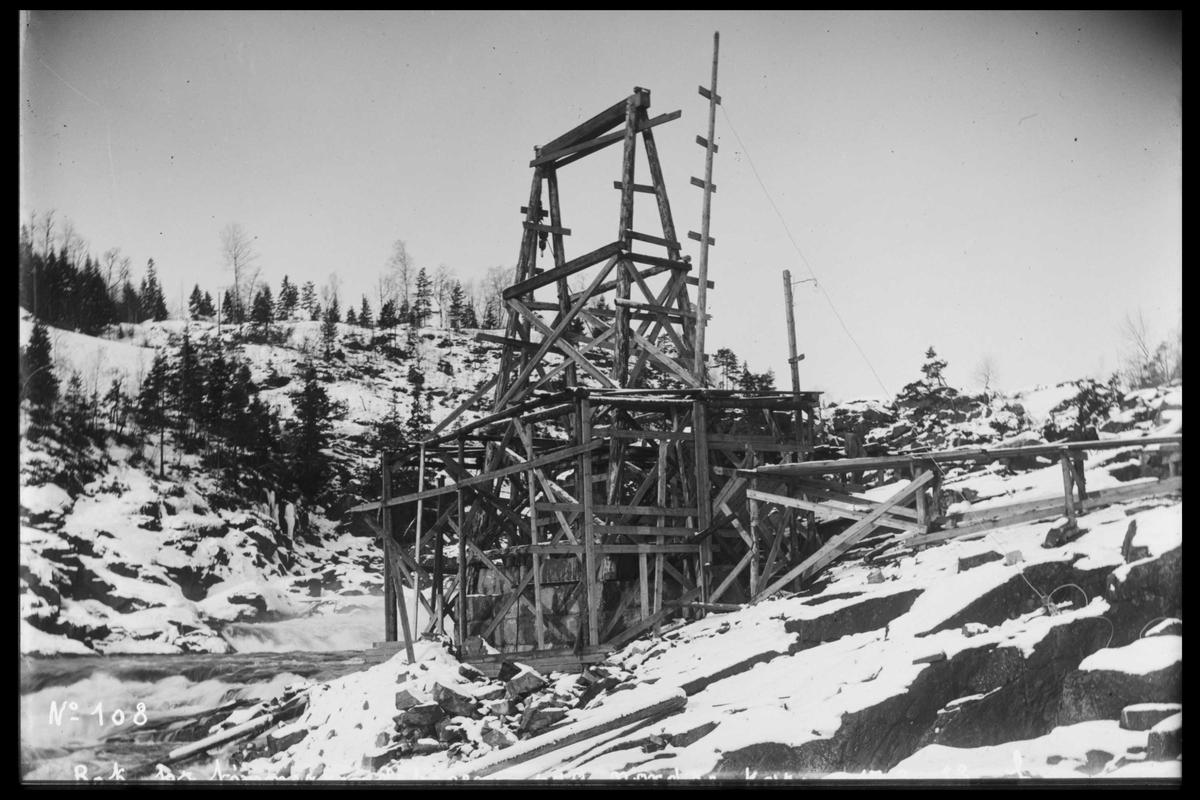 Arendal Fossekompani i begynnelsen av 1900-tallet CD merket 0565, Bilde: 11 Sted: Haugsjå Beskrivelse: Forberedelser før bygging av dam