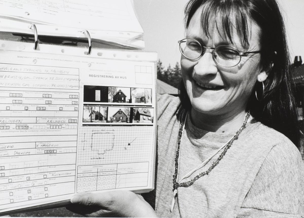 SEFRAK En kvinne med registreringsskjema SEFRAK