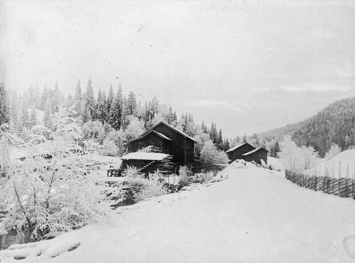 Vinterstillhet ved Losby Saga