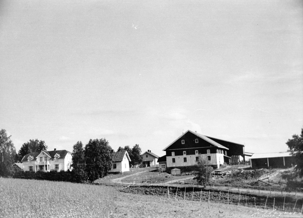Onsrud gård  slik den så ut fram til 1975.