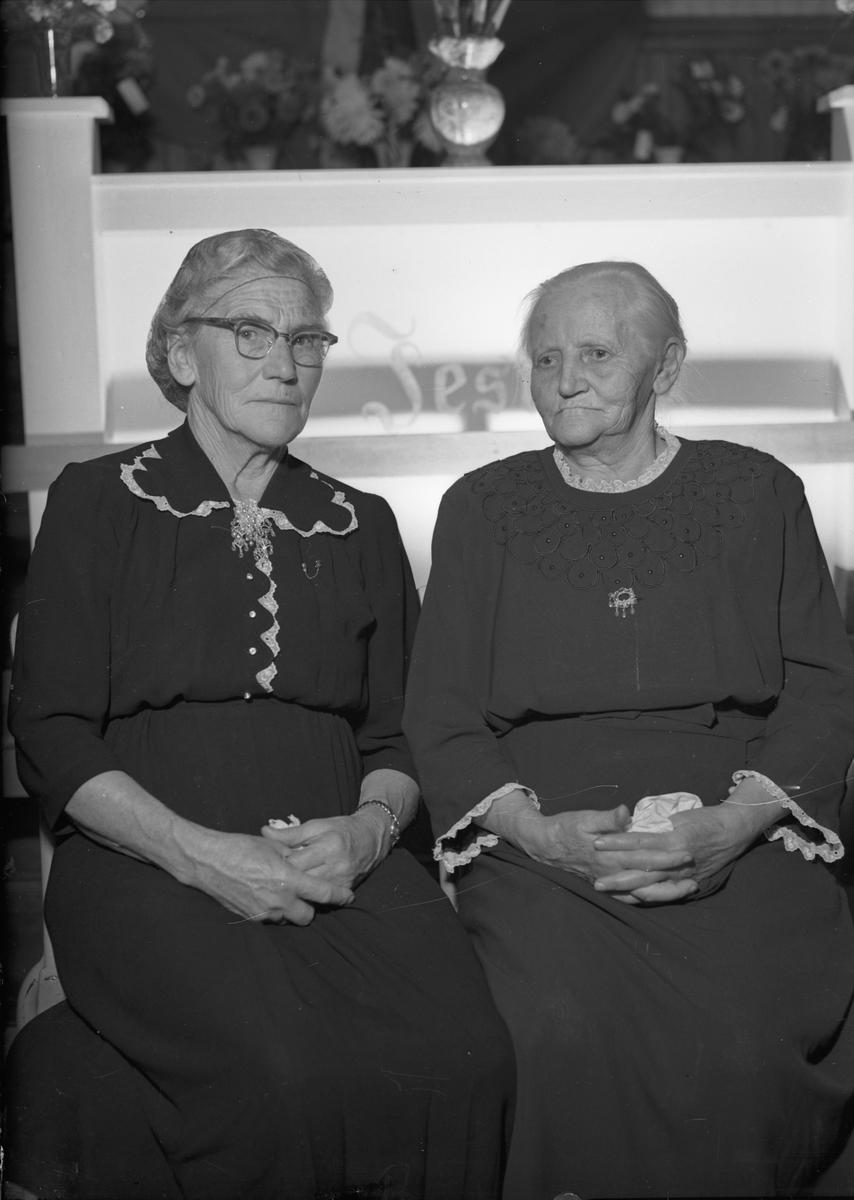 To eldre kvinner.