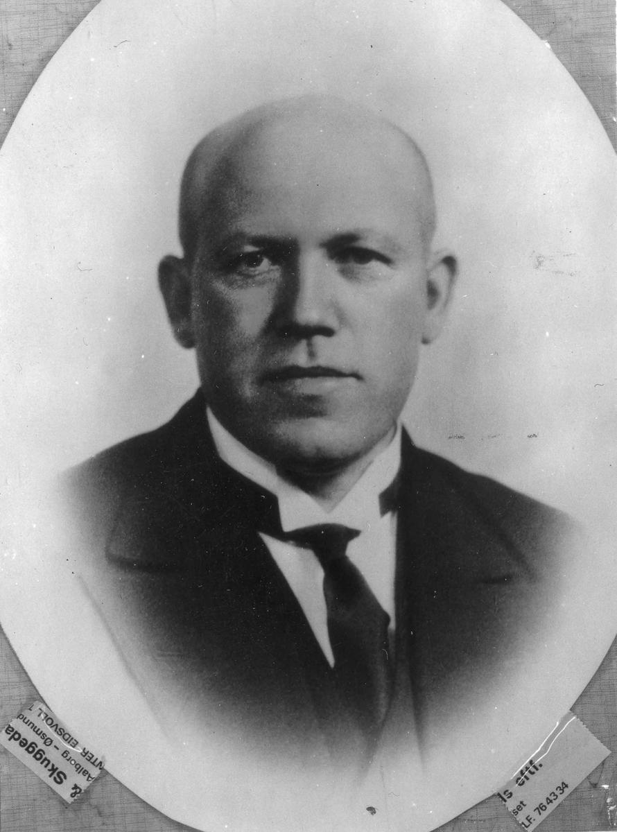 Hans A Svendsen, formann i Eidsvoll Arbeiderparti (?) 1930-32 og 1934-37.