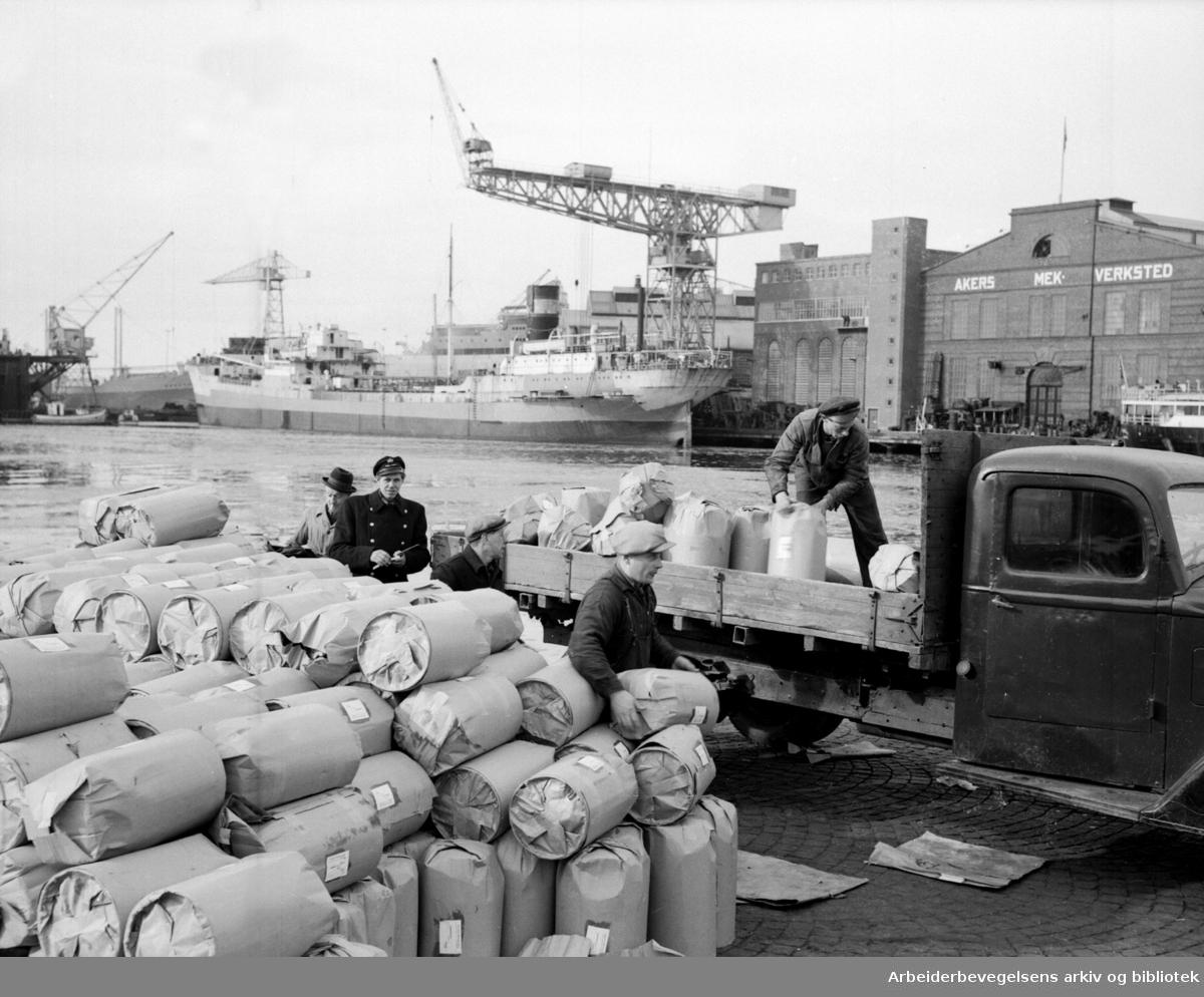 Bryggesjauere ved Oslo Havn, .Akers Mekaniske Verksted,.mars 1950.