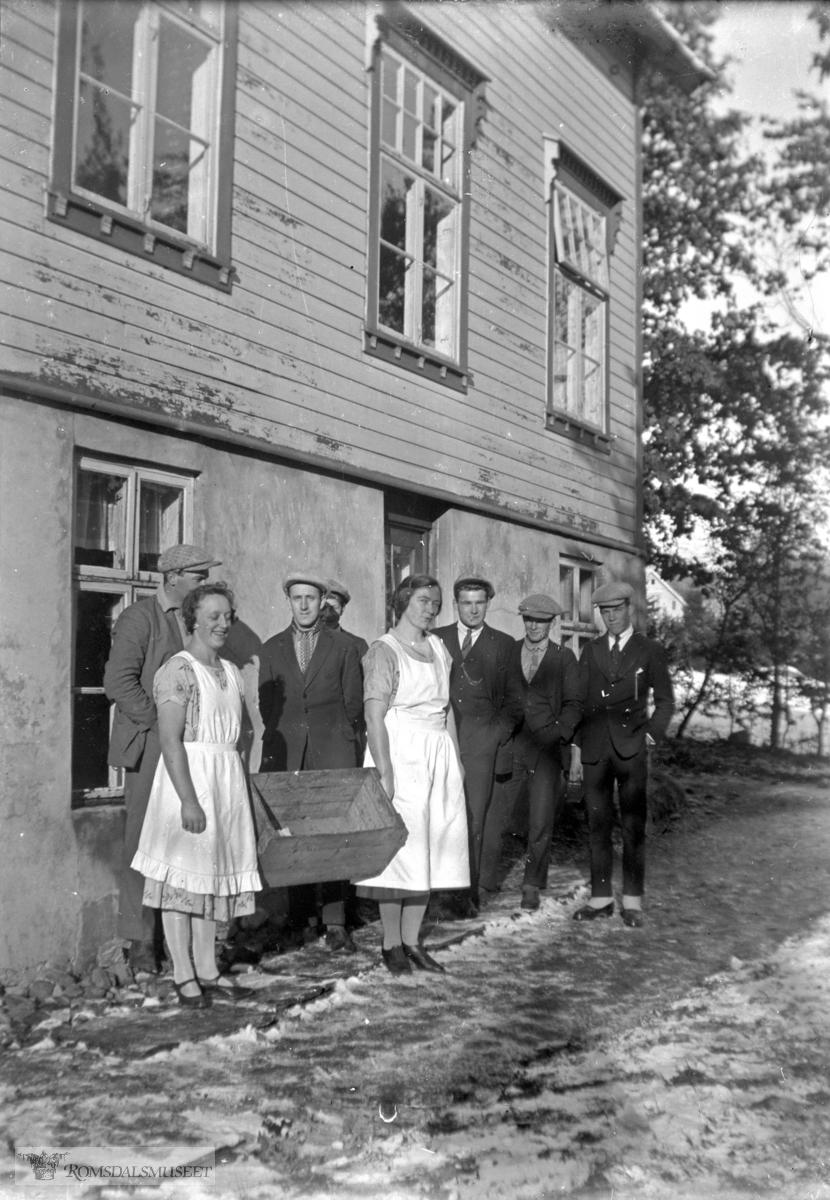 """(Eske 26595) .(Om fotografen, se """"bygdebok for Holm sokn"""" bind 1 side 611)"""