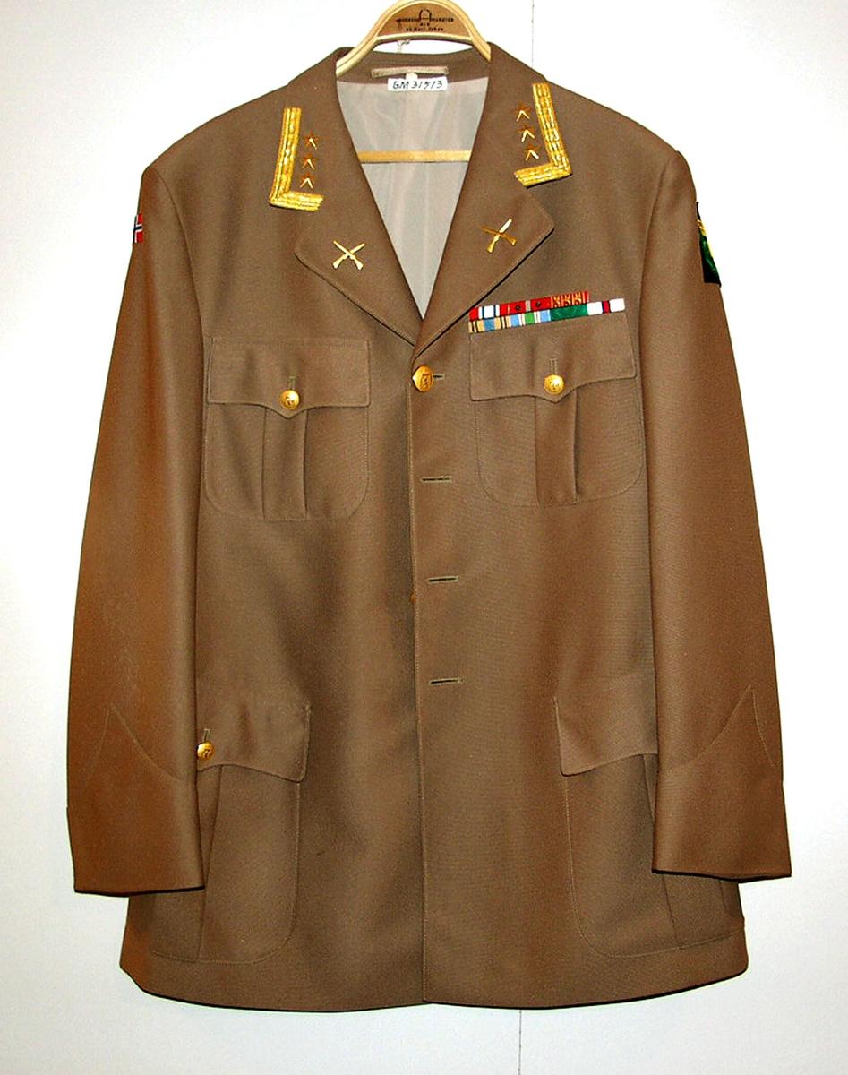 Form: Klassisk jakke
