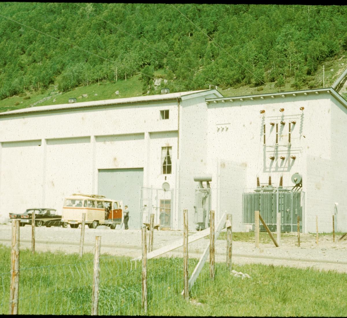 Oslo Lysverker. Driftsutvalet i Gjuva kraftstasjonl, Hemsedal. 1960