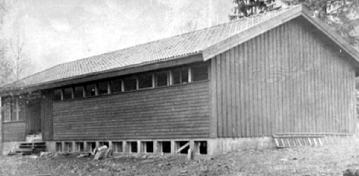 EKSTERIØR STORHAMAR IDRETTSLAGS KLUBBHUS, KORNSILOVEGEN 54
