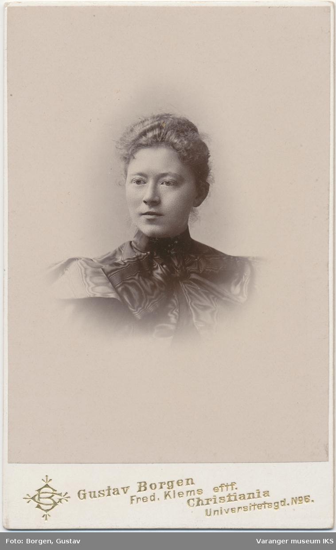 Portrett, Hanna Barbara Engelsen