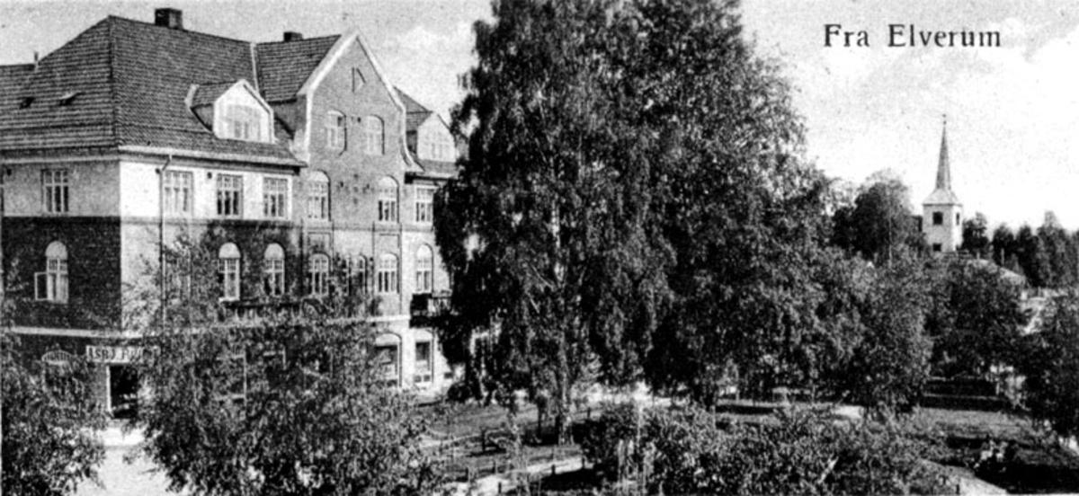 Påstgården, Triangelparken