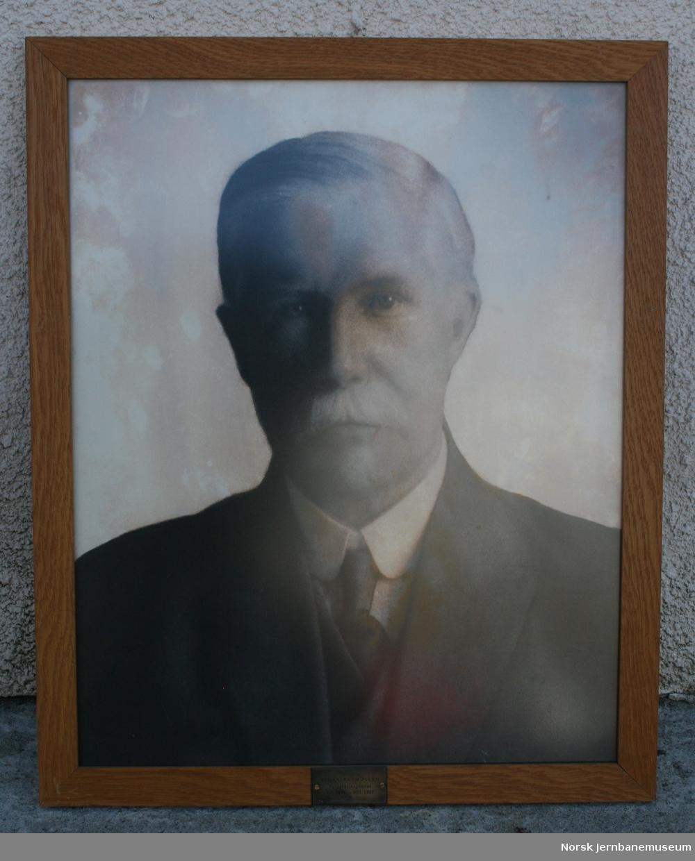 Foto i glass og ramme av telegrafinspektør Einar Rasmussen. Telegrafinsp. 01.07.1896-30.03.1927.