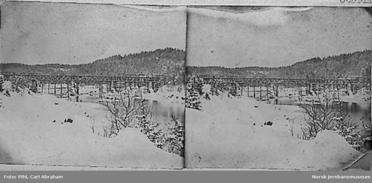 Bru over Drammenselva ved Kattfoss under bygging
