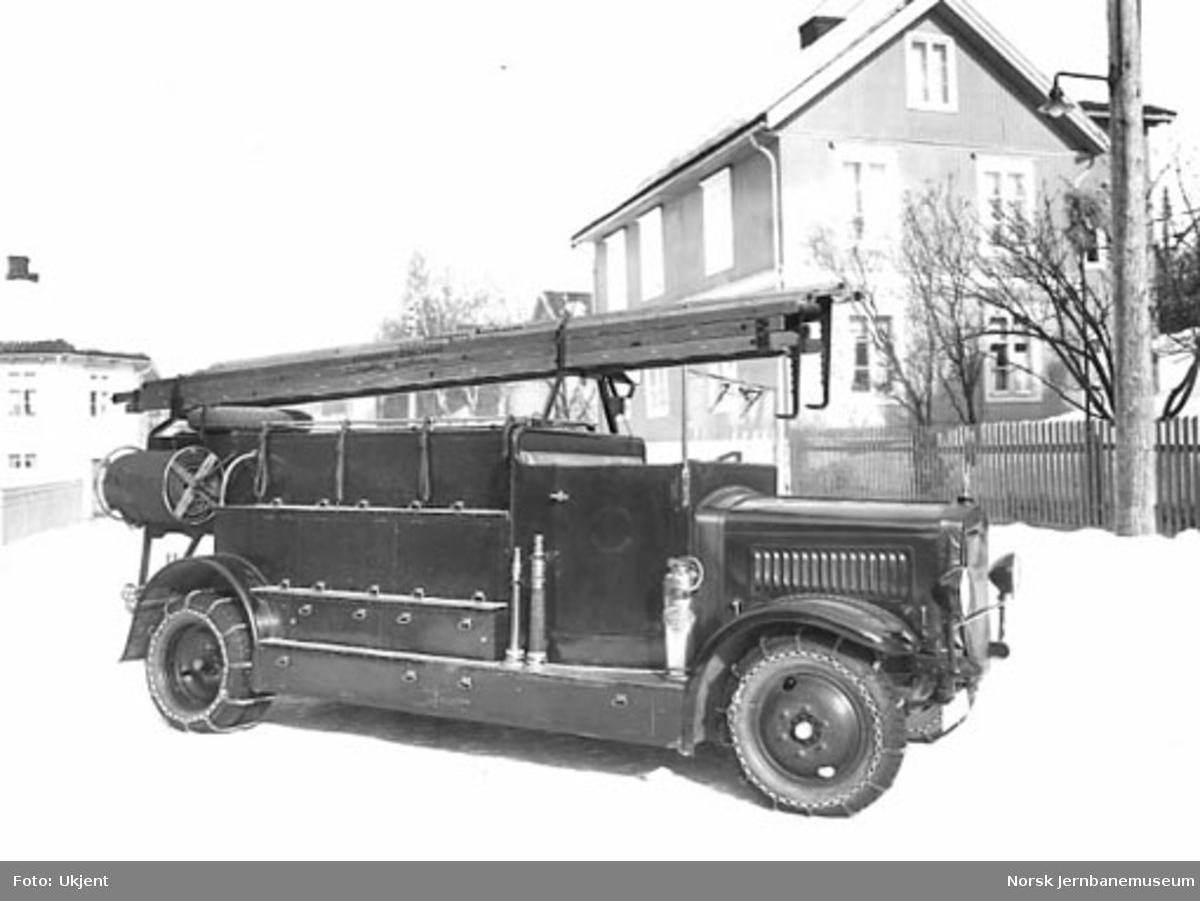 Mercedes-Benz åpen brannbil til Lillehammer brannvesen bygget på Skabo Jernbanevognfabrik