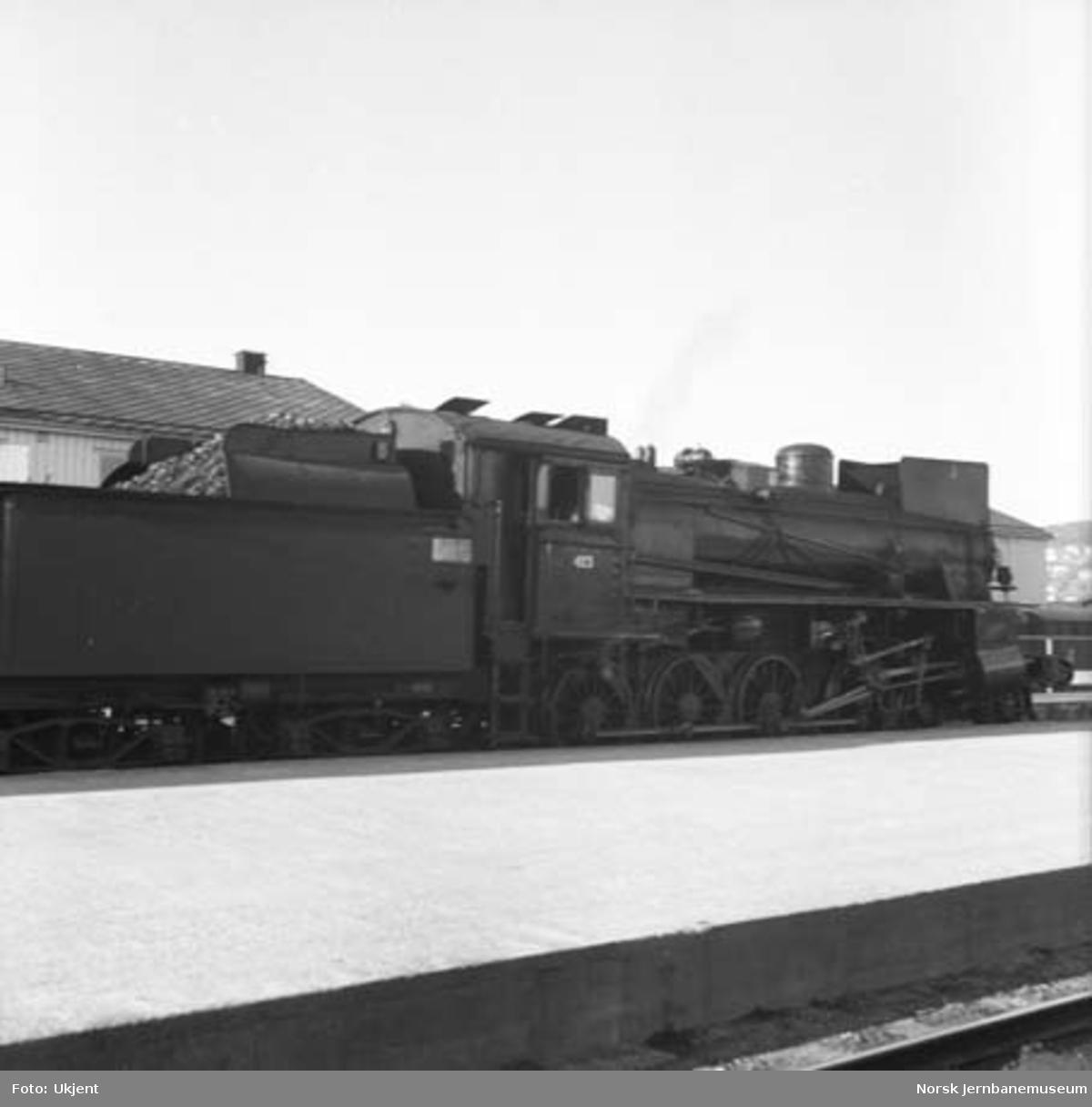 Damplokomotiv type 26c nr. 413 på Trondheim stasjon