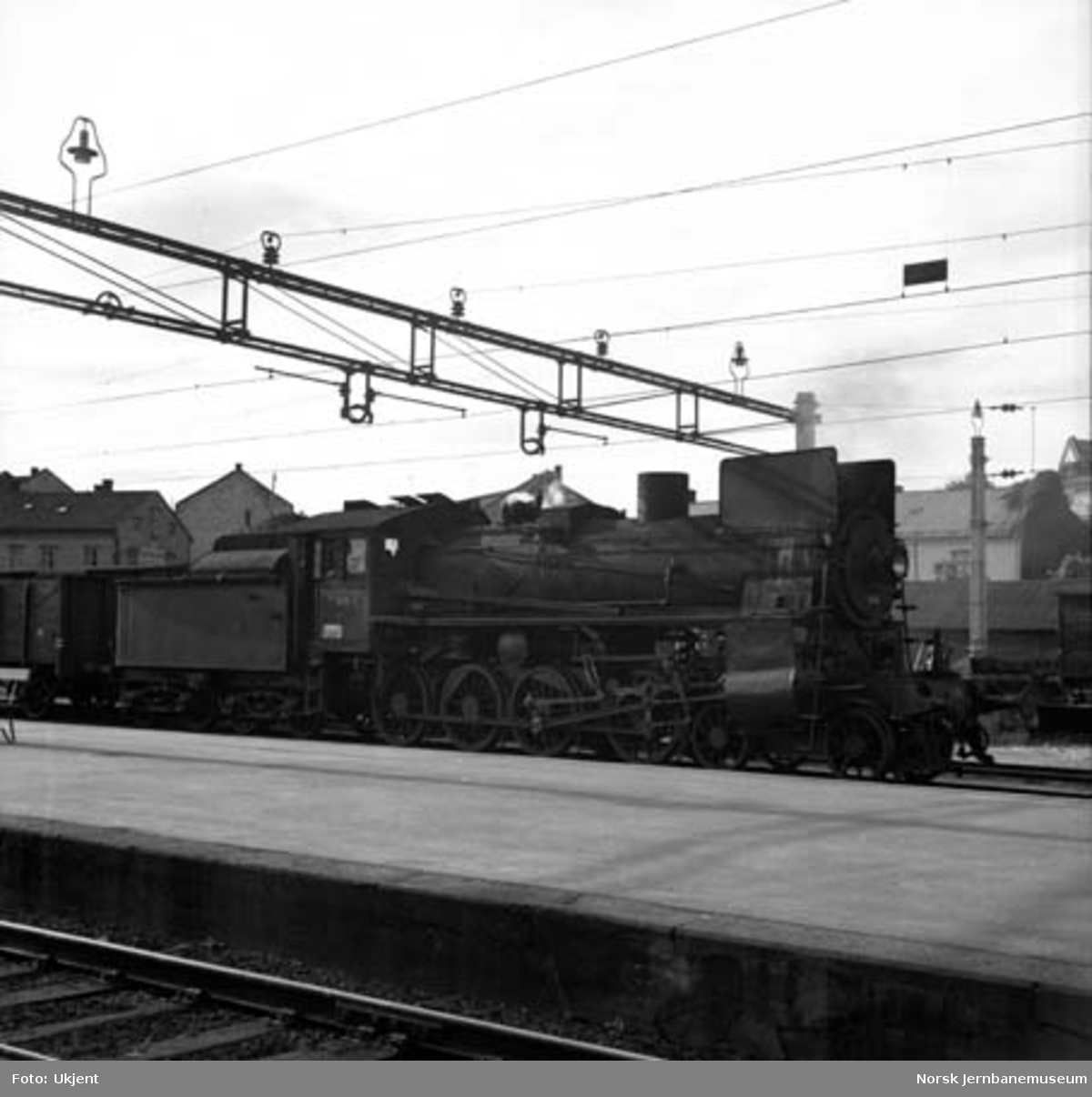 Damplokomotiv type 26c nr. 414 på Hamar stasjon