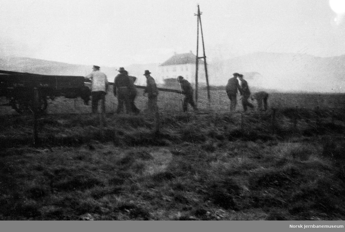 Riving av skinnegangen ved Hof etter banens nedleggelse
