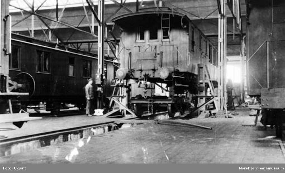 Verkstedet Sundland : løftebukk med 40 tonns løfteevne