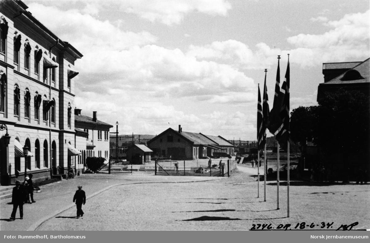 Drammen stasjon fra bysiden