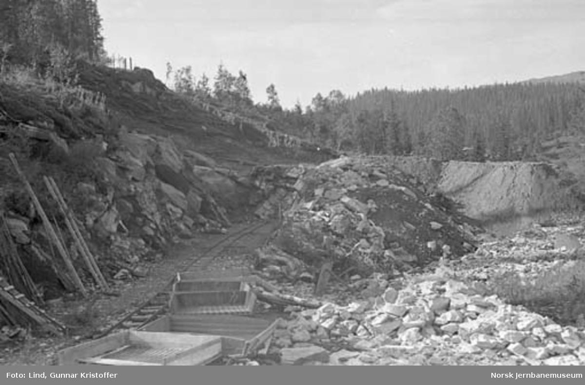 Dunderlandsbanens ombygging : jordavdekning i skjæring nr. 32