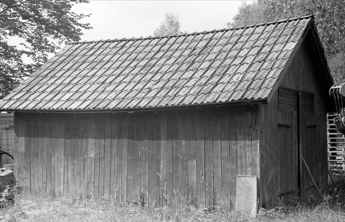 Traktorgarage, Lövsta 1:4, Bälinge socken, Uppland 1976