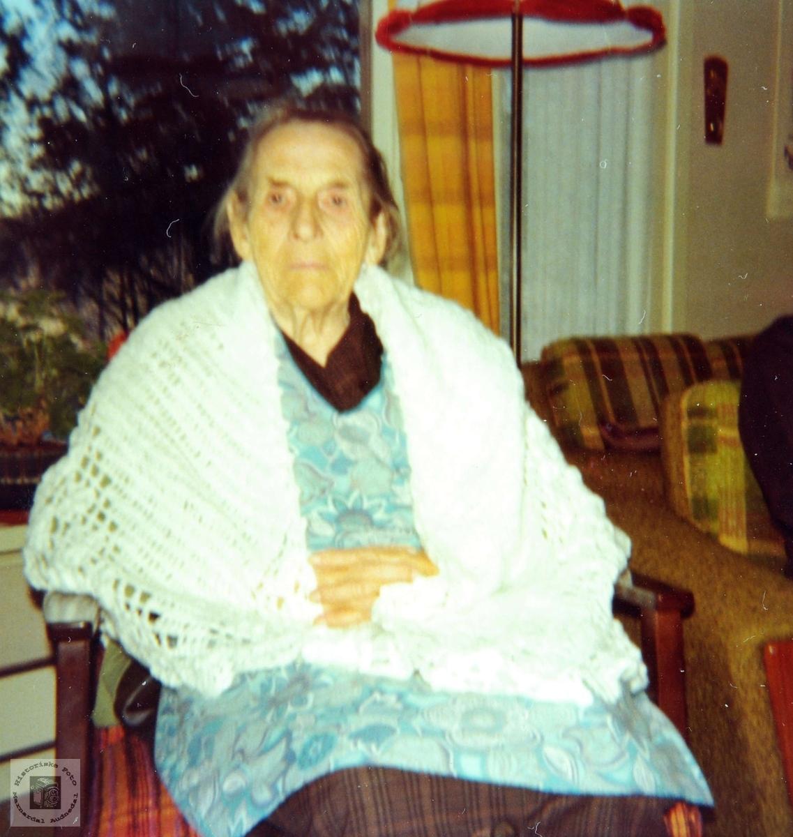 90 åringen Guri Haaland fra Grindheim.