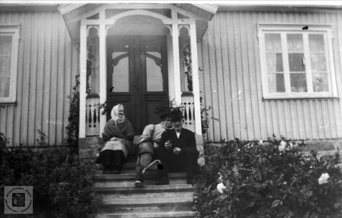 Personer på Øvre Homme, Bjelland.