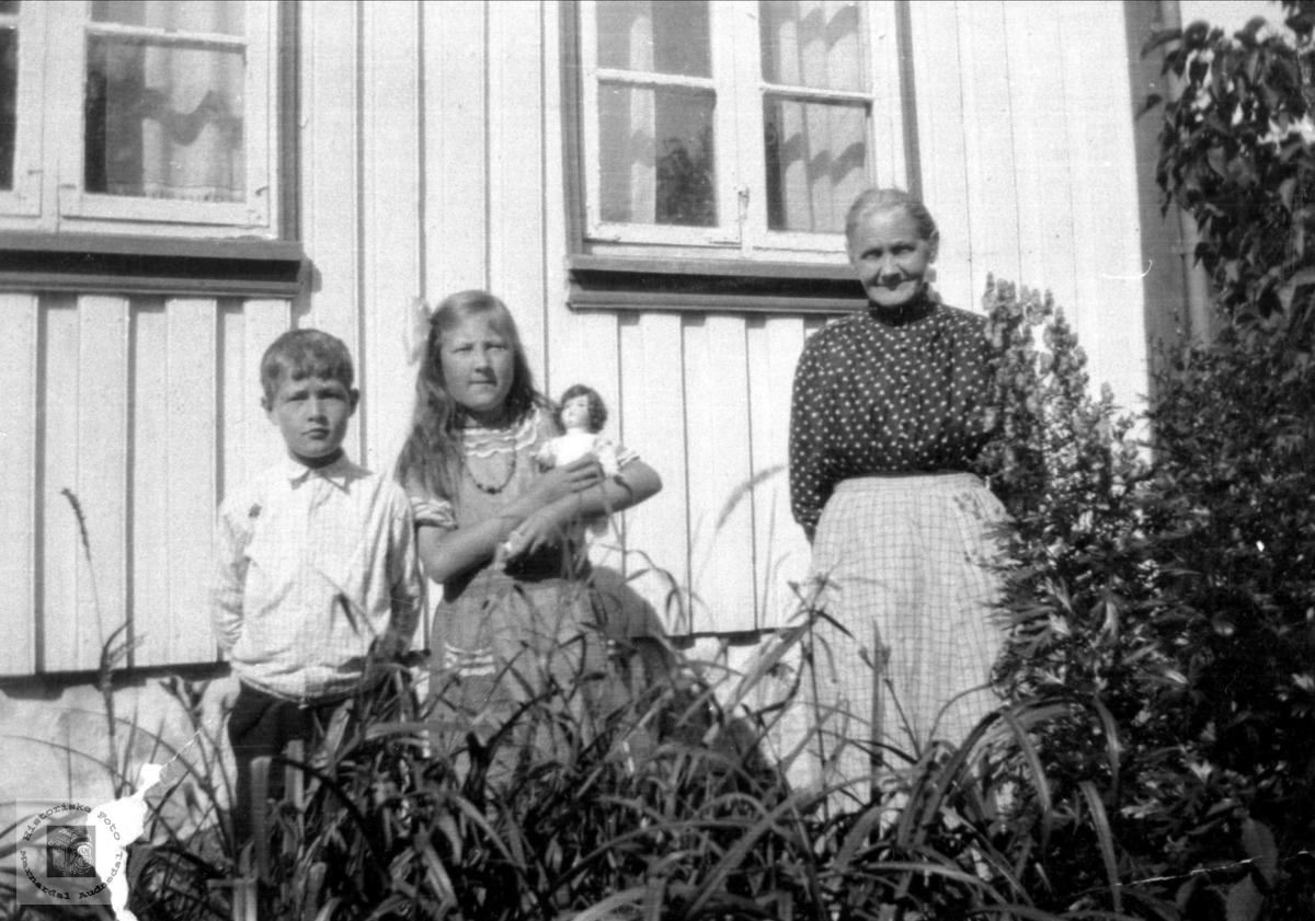 Portrett av Anna på Breilimoen i Konsmo.