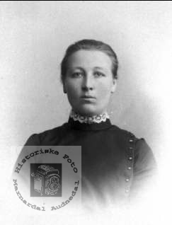 Portrett av Åste Fidje, Laudal.