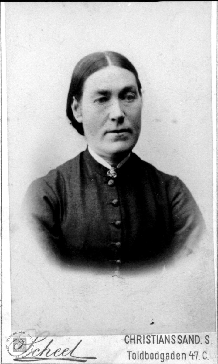 Portrett av Anna Koland, Pytten i Bjelland.