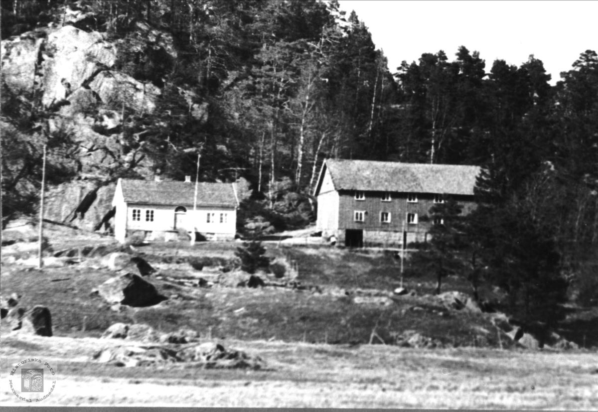 Eikså aust, Øyslebø.