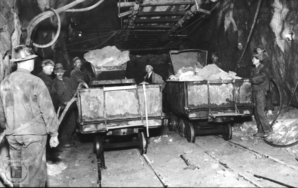 Tunnelarbeid, trolig Hægebostad tunnel.