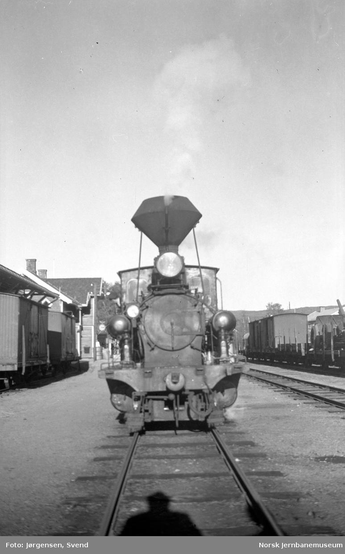 Damplokomotiv nr. 7 på Evje stasjon