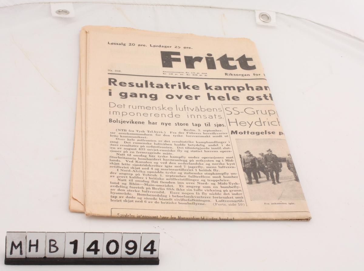 Avis fra andre verdenskrig. Fritt Ord var riksorgan for Nasjonal Samling og inneholder en rekke antisemittiske artikler.