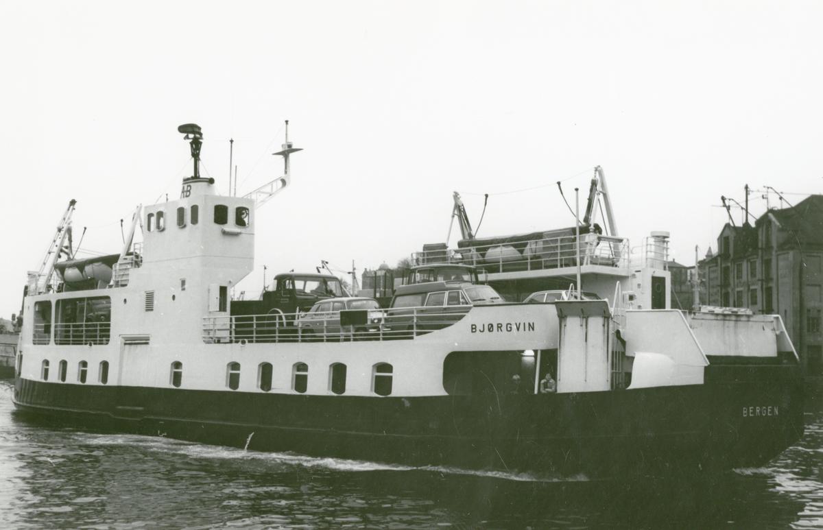 M/F 'Bjørgvin' (b.1962, Løland Motorverkstad, Leirvik i Sogn), - i Bergen.