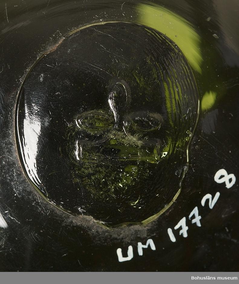 Grön kula. Märkt med en treklöver på puntelmärket.