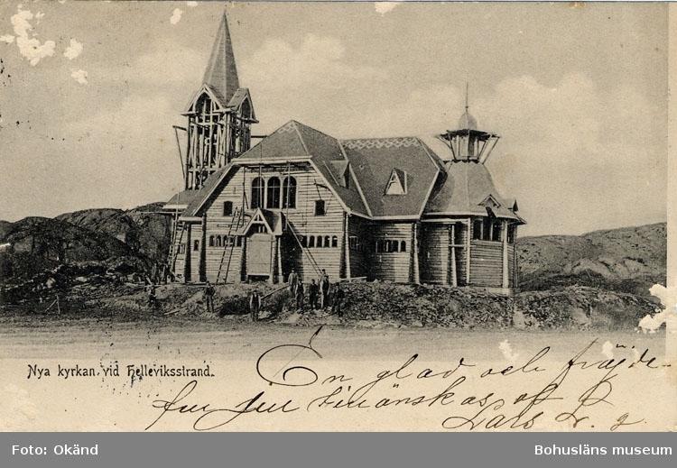 """Tryckt text på kortet: """"Nya kyrkan i Hälleviksstrand"""" ::"""