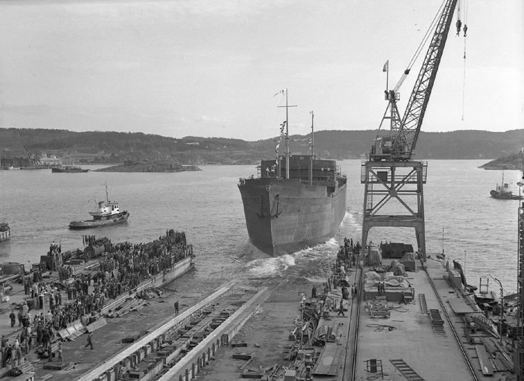 Dop och sjösättning av 122 M/T Glimmingehus.