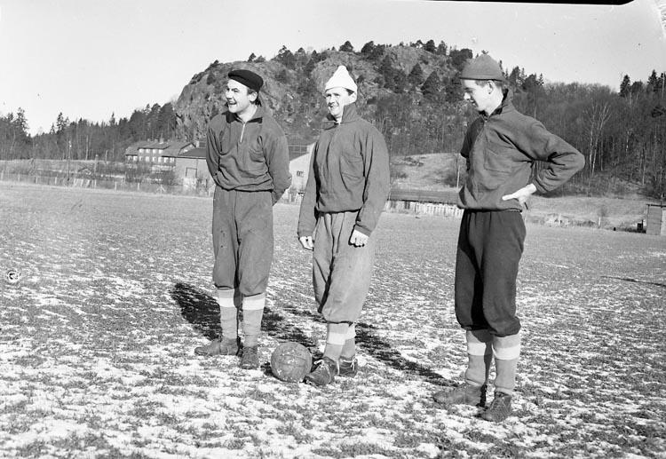 """Enligt notering: """"Kamraternas träning Feb 1950""""."""