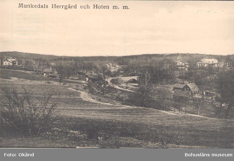 """Tryckt text på kortet: """"Munkedals Herrgård och hotell m.m.""""."""