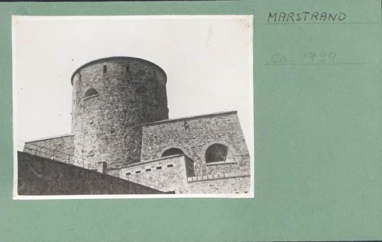 """Noterat på kortet: """"Marstrand. 1939."""" ::"""