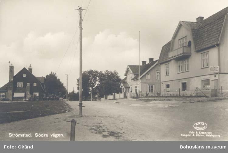 """Södra vägen i Strömstad. """"Foto & Ensamrätt: Almqvist & Cöster, Helsingborg."""" """"Förlag: Larssons Bokhandel, Strömstad."""""""
