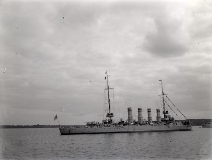 """Enligt text som medföljde bilden: """"Kryssare. Kiel 1913."""""""