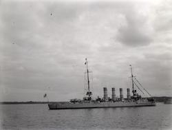 """Enligt text som medföljde bilden: """"Kryssare. Kiel 1913."""" ::"""