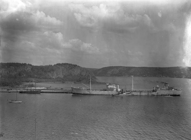 """Text som medföljde bilden: """"1948. No. 17 1948 bäst. Julius Munkedals Hamn""""."""