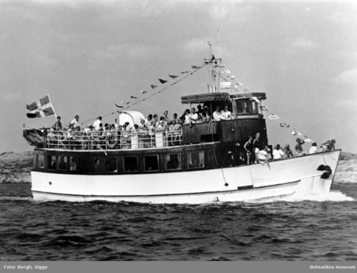"""Enligt text på fotot: """"Nolhotten juli 91 utanför Hamburgön""""."""