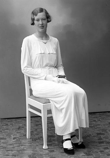 """Enligt fotografens journal nr 6 1930-1943: """"Storm, Eivor Stormkullen Här""""."""