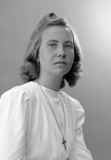 "Enligt fotografens journal nr 6 1930-1943: ""Säfblad, Fr. Anne Sofie Här""."