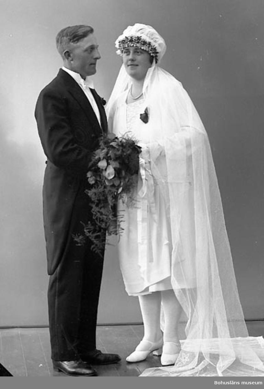 "Enligt fotografens journal nr 5 1923-1929: ""Berntsson, Botvid Krok Ödsmål""."