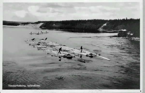 Timmerflottning på Indalsälven 1917. Vykort.