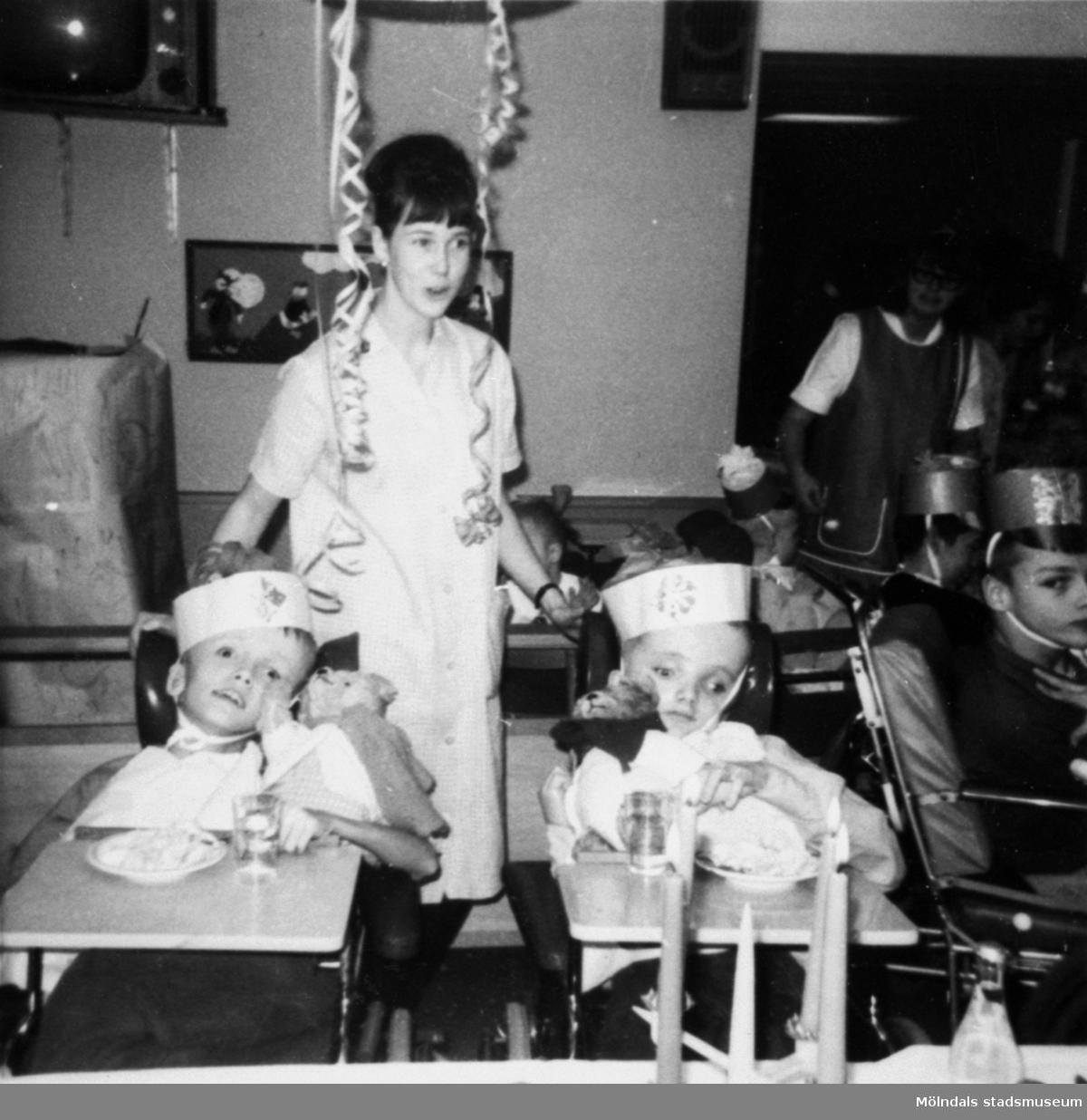 Fest för barn på Stretereds skolhem, cirka 1960.