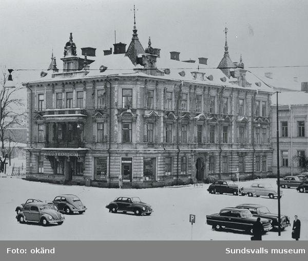 Thuressonska huset. Tidigare ombudsmannen och direktören Th. R. Thuressons (1843-1918) bostadshus på Nytorget  2.